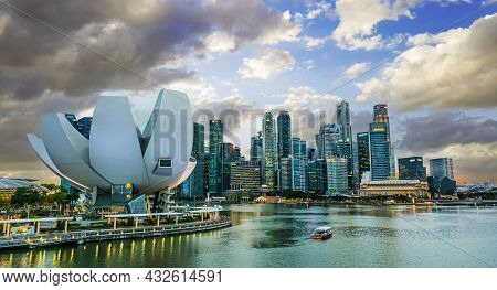 Singapore - Mar 1, 2020: Singapore Downtown Waterfront With Artscience Museum Viewed From Helix Brid