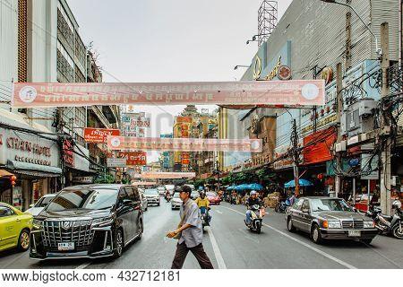 Bangkok, Thailand - January 17,2020.busy Street In Chinatown.morning Traffic At Yaowarat Road,motion