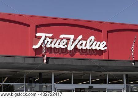 Prescott - Circa September 2021: True Value Home And Garden Center. True Value Is A Subsidiary Of Ac