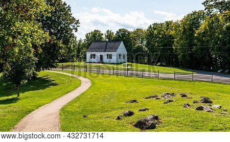 Sharpsburg, Maryland, Usa September 11, 2021 The Dunker Church At The Antietam National Battlefield,