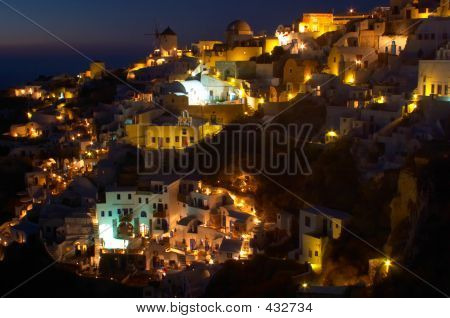 Traditional Greek Village, Oia, Santorini 4