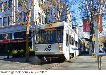 San Jose, Ca, Usa - Mar. 10, 2014: Santa Clara Valley Transportation Authority Vta Light Rail At San