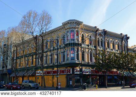 San Jose, Ca, Usa - Mar. 10, 2014: Historic Hank Coca's Downtown Furniture At 82 E Santa Clara Stree