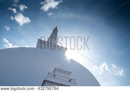 Sun Halo Over Ruwanweli Maha Seya Or Mahathupa Is A Hemispherical Stupa Containing Relics In Anuradh