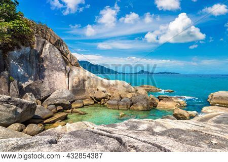 Hin Ta And Hin Yai Rocks At Samui Beach, Thailand In A Summy Day