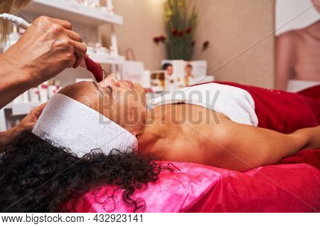 Delighted Beauty Spending Her Day Off In Salon