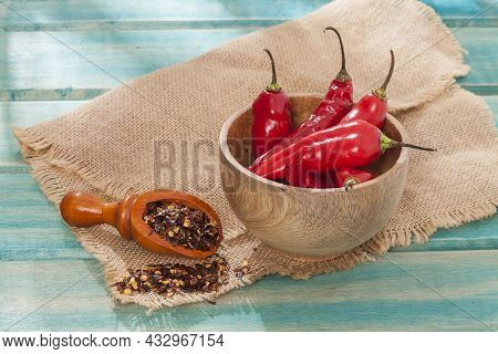 Crushed Red Cayenne Pepper, Dried Chili And Seeds