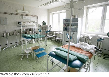 Belarus, The City Of Gomil, May 31, 2021. City Hospital. The Empty Ward Of The Maternity Hospital.
