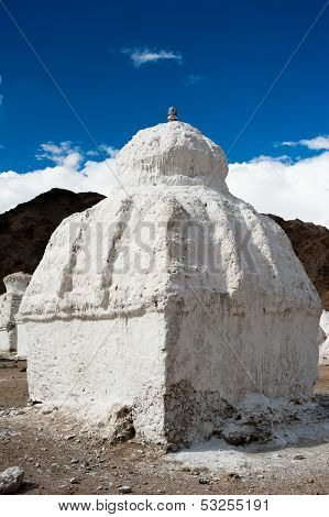 Buddhist stupa ( chorten ) at Himalaya