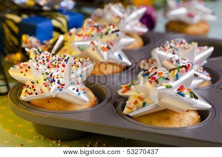 Sprinkled Bow Cupcakes