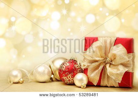 Decorado com presentes de Natal em abstrato