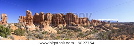 Arches Panoramic Of Garden Of Eden