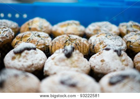 Muffins With Jelly Chocolate & Sugar