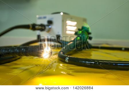Illuminated flexible endoscope medical investigative and surgical tool