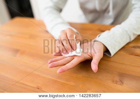 Woman suffer from Hyperhidrosis on hand