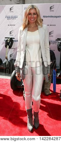 NEW YORK-APR 11: TV personality Aviva Drescher attends the world premiere of