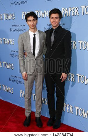 NEW YORK-JUL 21: Actors Alex Wolff (L) and Nat Wolff attend the