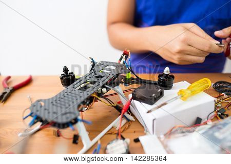 Flying Drone building