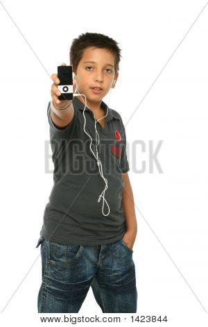 Cool jongen muziek luisteren met een Mp4-speler