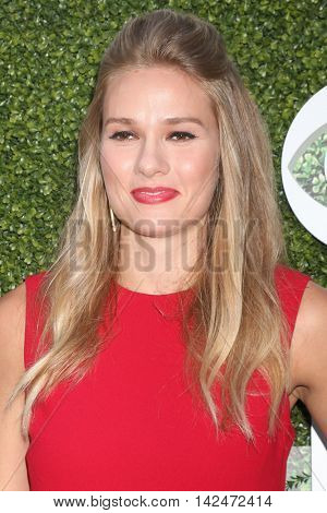 LOS ANGELES - AUG 10:  Tori Anderson at the CBS, CW, Showtime Summer 2016 TCA Party at the Pacific Design Center on August 10, 2016 in West Hollywood, CA
