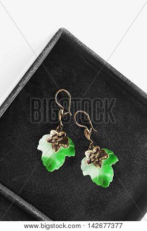 Nephrite maple leaves shaped earrings in black jewel box