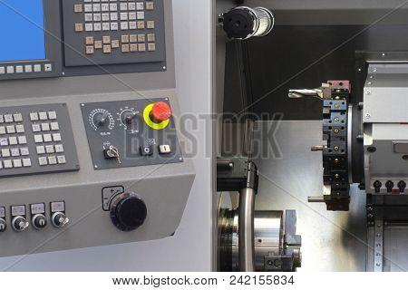 computerized numerical control metalworking machine