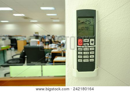 Red Button Air Conditional Remote Control And 25 Degree Celsius Is Best For Save Energy,save Energy,