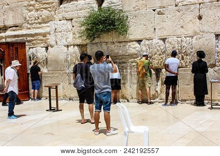 Jerusalem Israel May 21, 2018 View Of Unknowns People Praying Front The Western Wall In The Old City