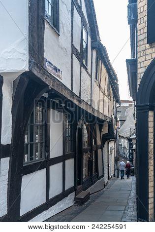Shrewsbury, Shropshire, Uk - May 19, 2018: Narrow Alley Known As Grope Lane In Shrewsbury,  Shropshi