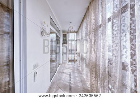 Elegant Design Of Window Curtains And Blinds.