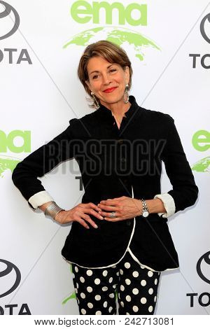 LOS ANGELES - MAY 22:  Wendie Malick at the 28th Annual Environmental Media Awards at the Montage Beverly Hills on May 22, 2018 in Beverly Hills, CA