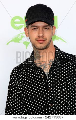 LOS ANGELES - MAY 22:  Travis Mills at the 28th Annual Environmental Media Awards at the Montage Beverly Hills on May 22, 2018 in Beverly Hills, CA