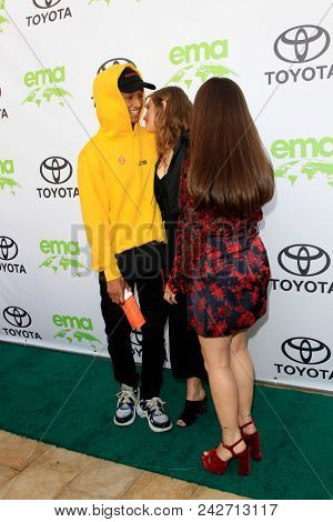 LOS ANGELES - MAY 22:  Odessa Adlon, Jaden Smith, Gideon Adlon at the 28th Annual Environmental Media Awards at the Montage Beverly Hills on May 22, 2018 in Beverly Hills, CA