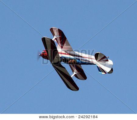Model bi-plane looping