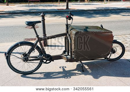 Post Office Services Courier Bicycle In Vienna In Austria