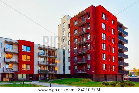 Modern Residential Apartment House Complex Outdoor Facility Reflex