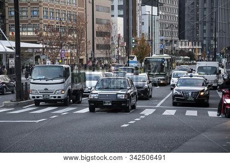 Kyoto, Japan- 27 Nov, 2019: Traffic Condition Of Kyoto Near The Kyoto Train Station, Japan. Kyoto Se