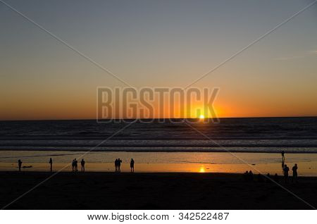 Christmas Sunset  At Crystal Pier, Strand, Pacific Beach, San Diego