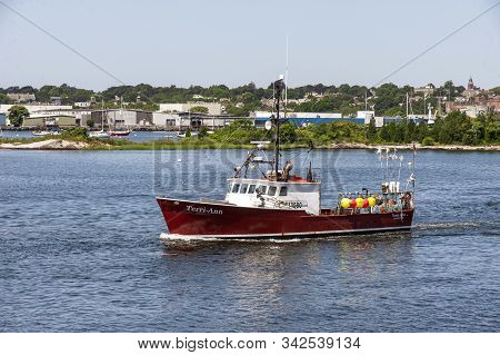 New Bedford, Massachusetts, Usa - August 20, 2019: Lobster Boat Terri-ann, Hailing Port Sandwich, Ma
