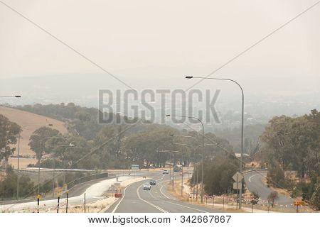 Canberra, Australia 2019-12-28 Australian Bushfire: Smoke Haze From Bushfires Over Queanbeyan, Nsw A