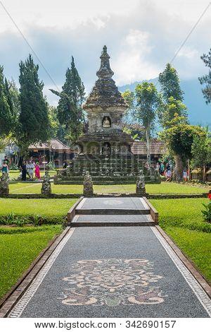 Candi Budha At Ulun Danu