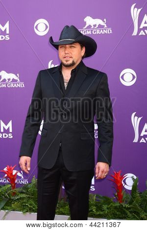 LAS VEGAS - MAR 7:  Jason Aldean arrives at the 2013 Academy of Country Music Awards at the MGM Grand Garden Arena on March 7, 2013 in Las Vegas, NV