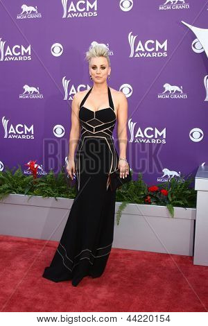 LAS VEGAS - MAR 7:  Kaley Cuoco arrives at the 2013 Academy of Country Music Awards at the MGM Grand Garden Arena on March 7, 2013 in Las Vegas, NV