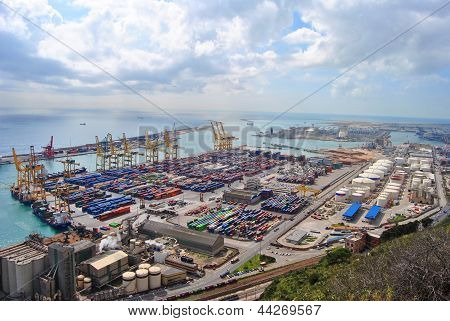 Barcelona cargo port