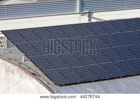Roof With Green Electricity Production