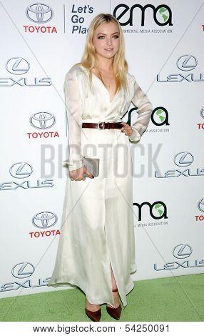 LOS ANGELES - OCT 19:  Francesca Eastwood arrives to