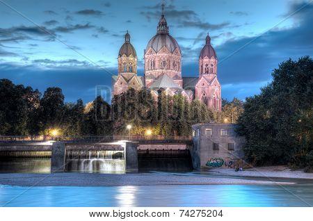 St Lukes At Night