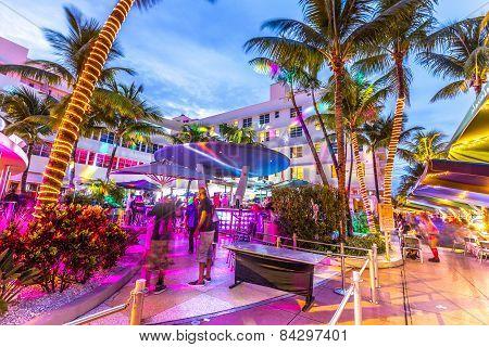People Enjoy Nightlife At Ocean Drive In The Clevelander Bar
