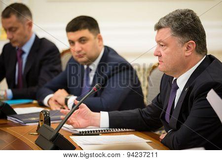 Petro Poroshenko And Volodymyr Groisman