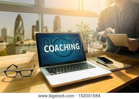 Coaching   (coaching Guide Instructor Leader)
